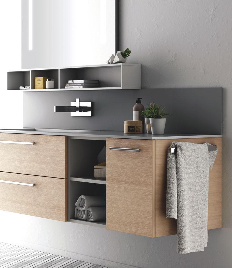 mobile bagno legno chiaro cassetti e ante