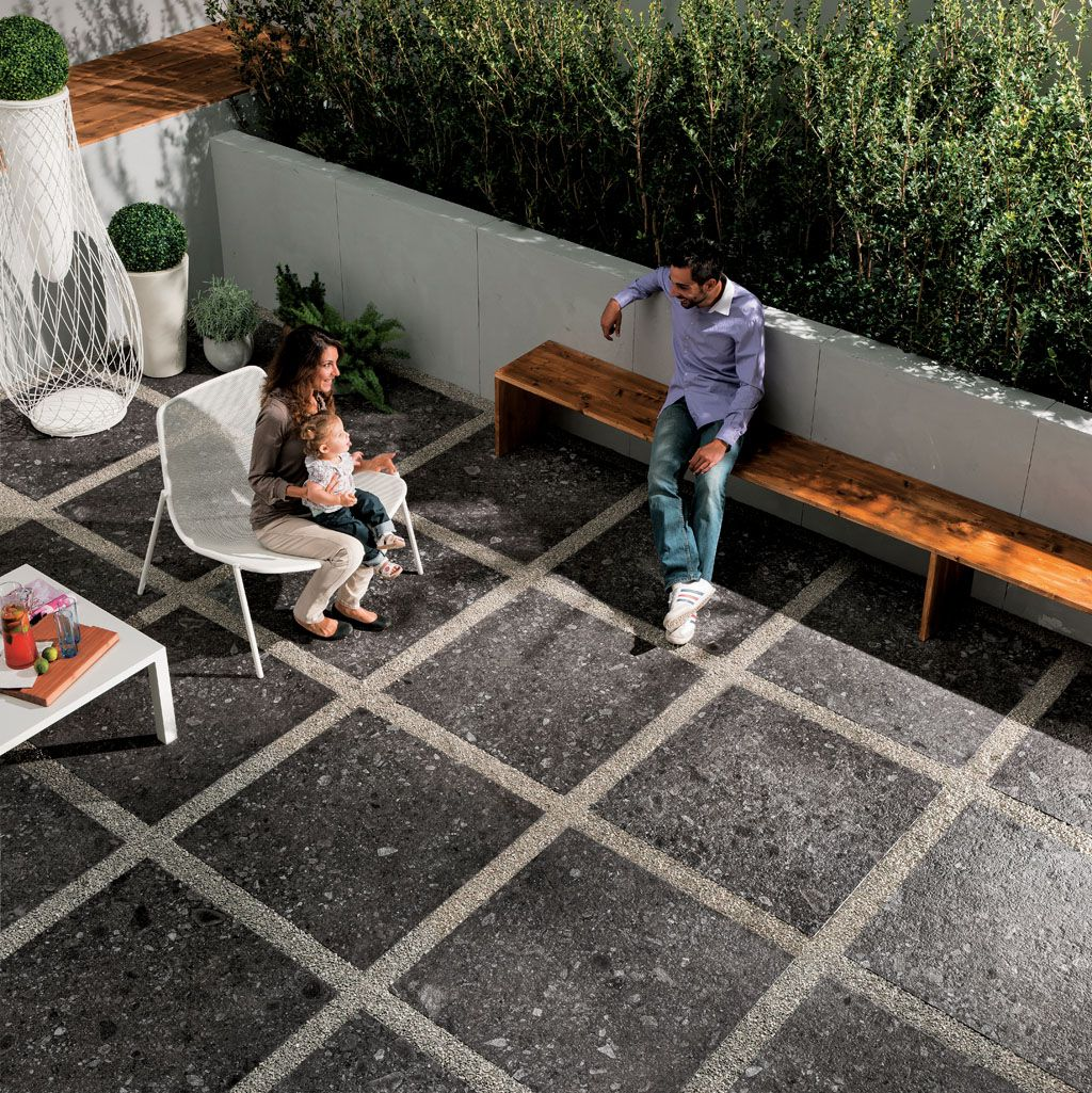 Pavimenti esterni sopraelevati per terrazze e balconi for Arredi esterni per terrazze