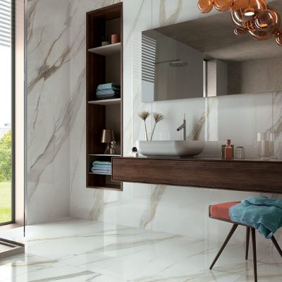 pavimento bagno marmo calacatta e pietra