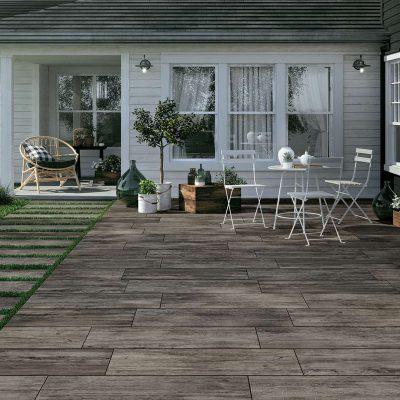 pavimento per esterni effetto legno grigio scuro RL01 posato